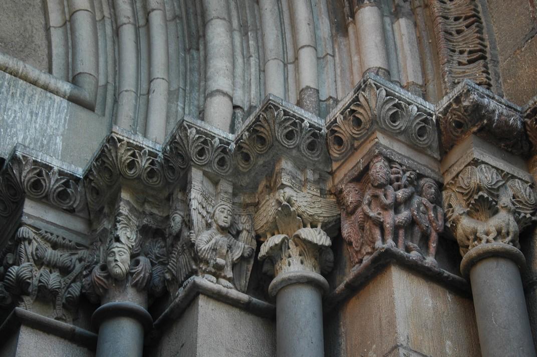 Capitells zoomòrfics de la porta de l'Avemaria de Santa Maria del Pi
