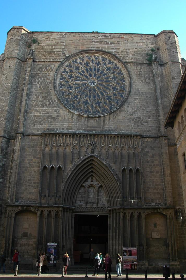 Portalada principal de la Basílica de Santa Maria del Pi
