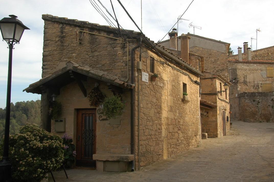 Carrer Nou del nucli antic de Talamanca de les Valls del Montcau