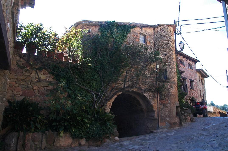 Nucli antic de Mura de les Valls del Montcau