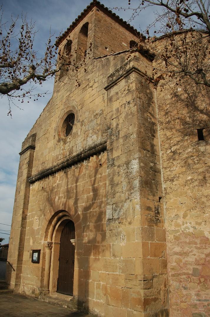 Portalada de l'església de Santa Maria de Talamanca de les Valls del Montcau