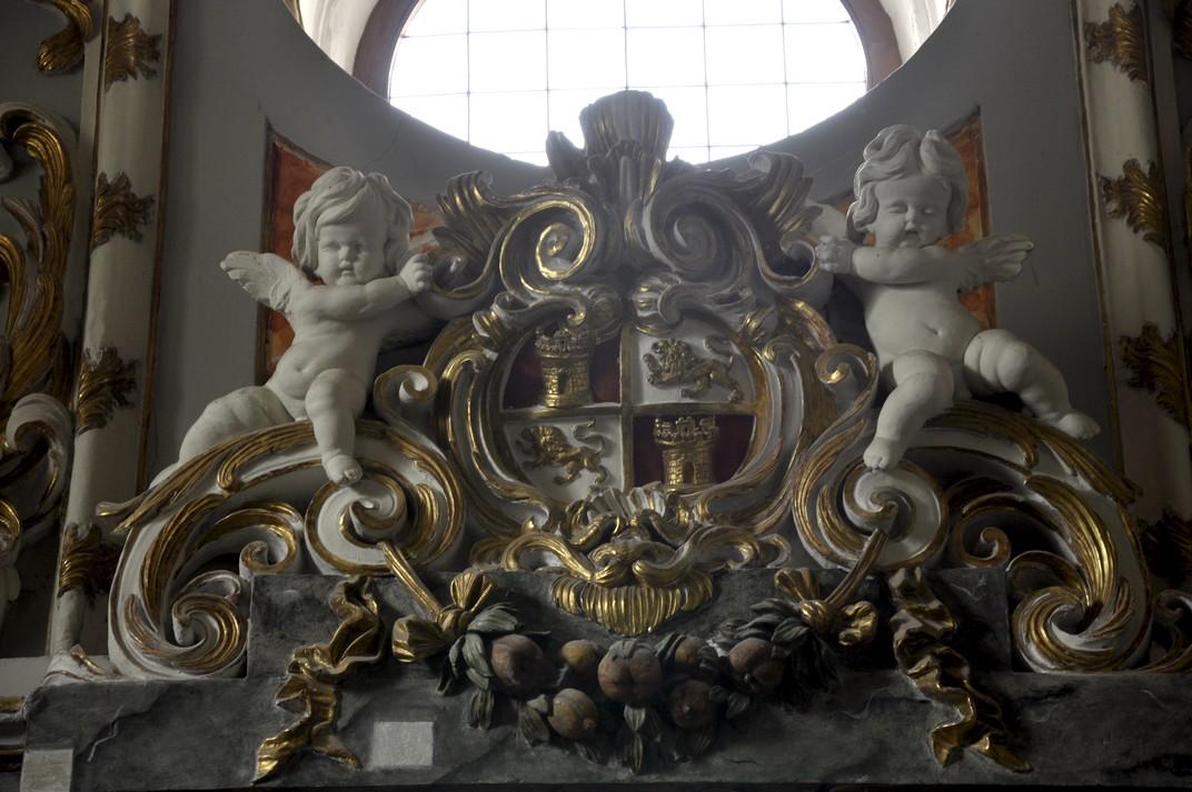 Àngels amb l'escut de Castella i Lleó del Monestir de Santa Maria d'El Paular de Madrid