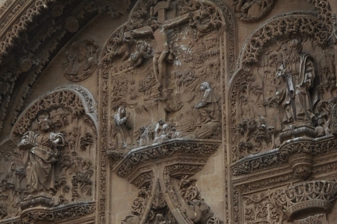 Crist crucificat de la Porta del Naixement de la Catedral Nova de Salamanca