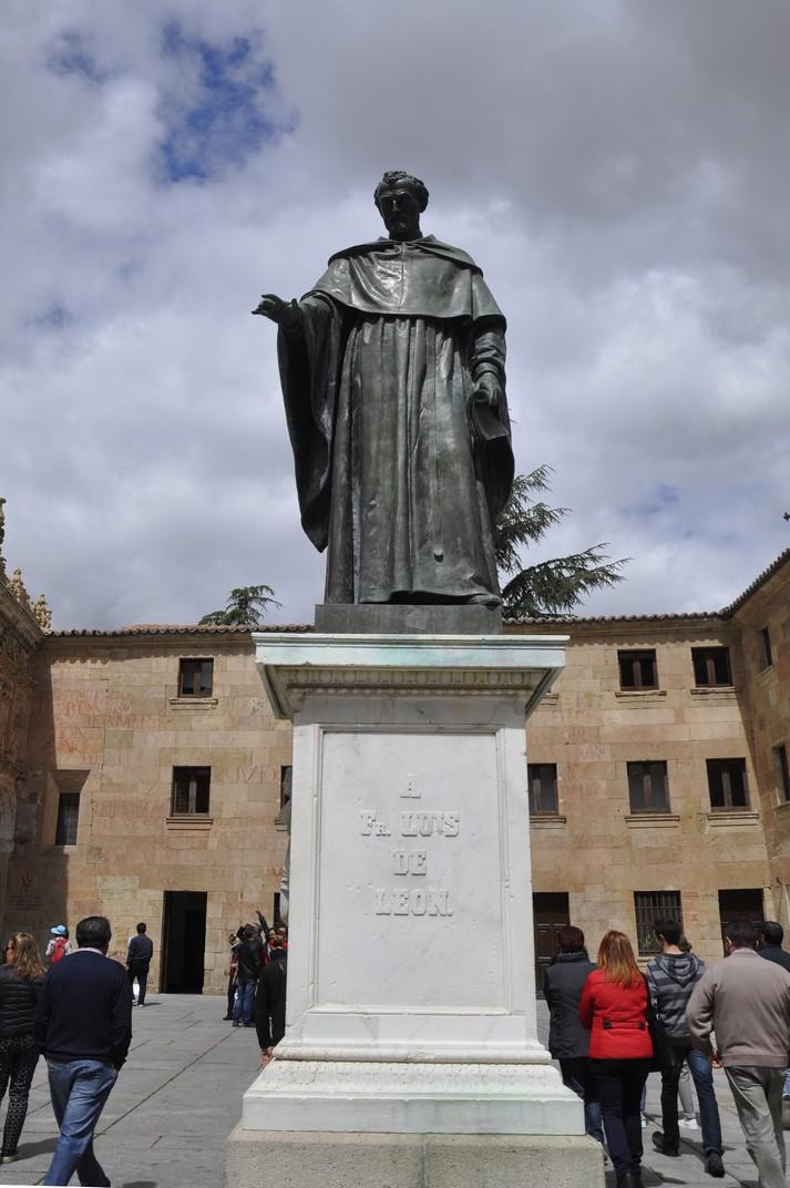 Estàtua de Fra Luís de León del Pati de les Escoles de la Universitat de Salamanca