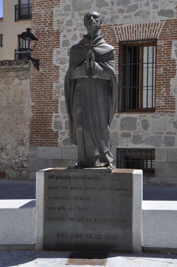 Estàtua de San Juan de la Cruz d'Àvila