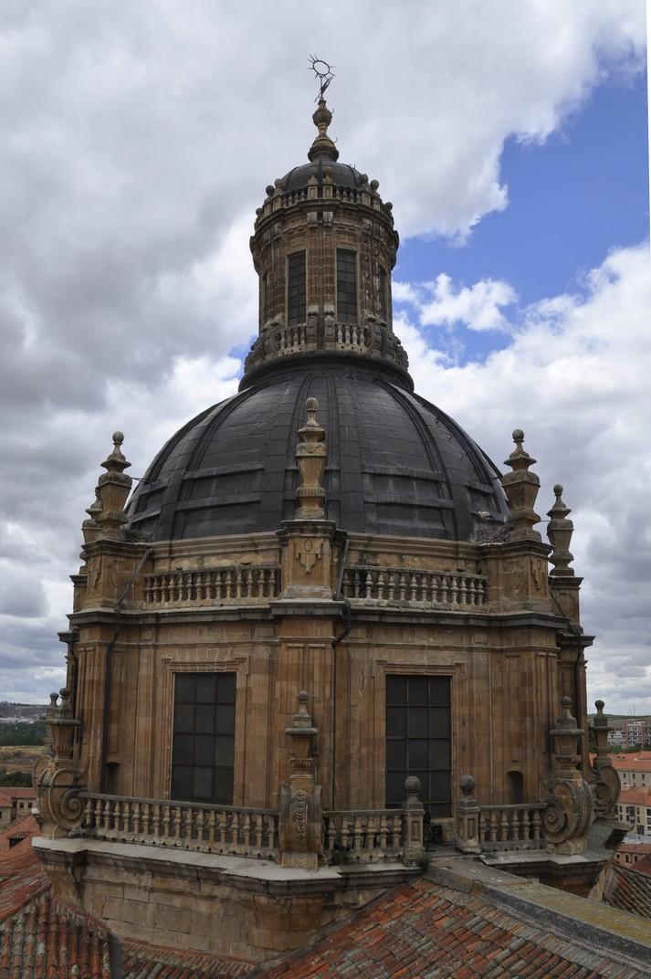 Exterior de la Cúpula de l'Església de la Clerecia de Salamanca