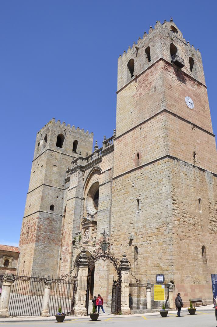 Façana principal de la Catedral de Sigüenza de Castella-La Manxa