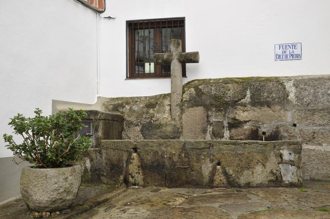 Font de la Cruz de Piedra de Candelario