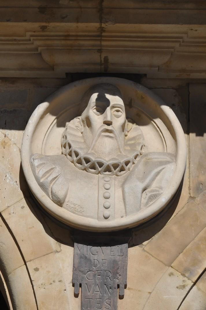 Medallons a les eixutes dels arcs de la Plaça Major de Salamanca