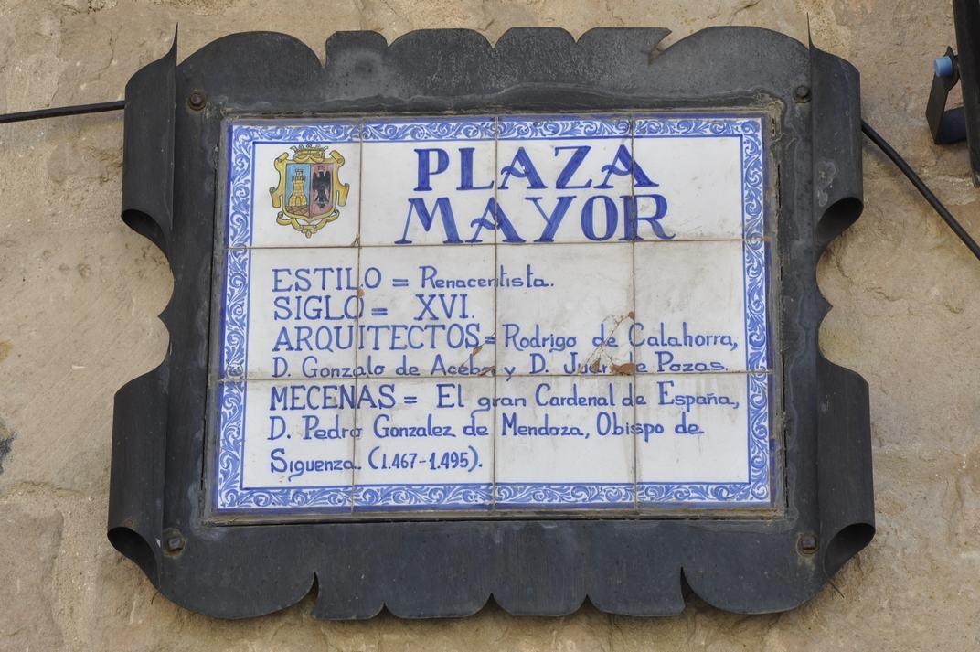 Placa de la Plaça Major de Sigüenza de Castella-La Manxa