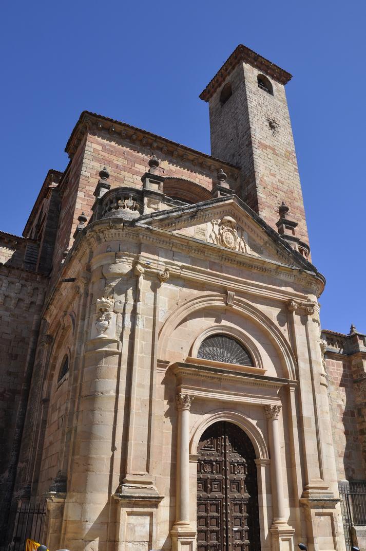 Porta del Mercat de la Catedral de Sigüenza de Castella-La Manxa