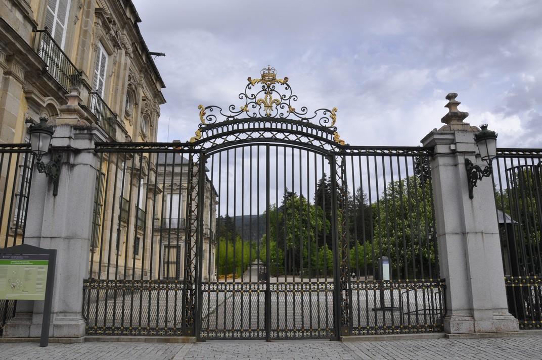 Porta sud del Palau de la Granja de Segòvia