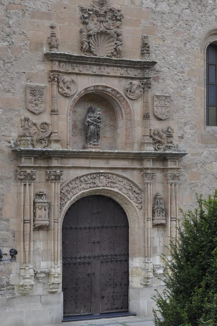 Portada de l'església de les Dominiques Dueñas de Salamanca
