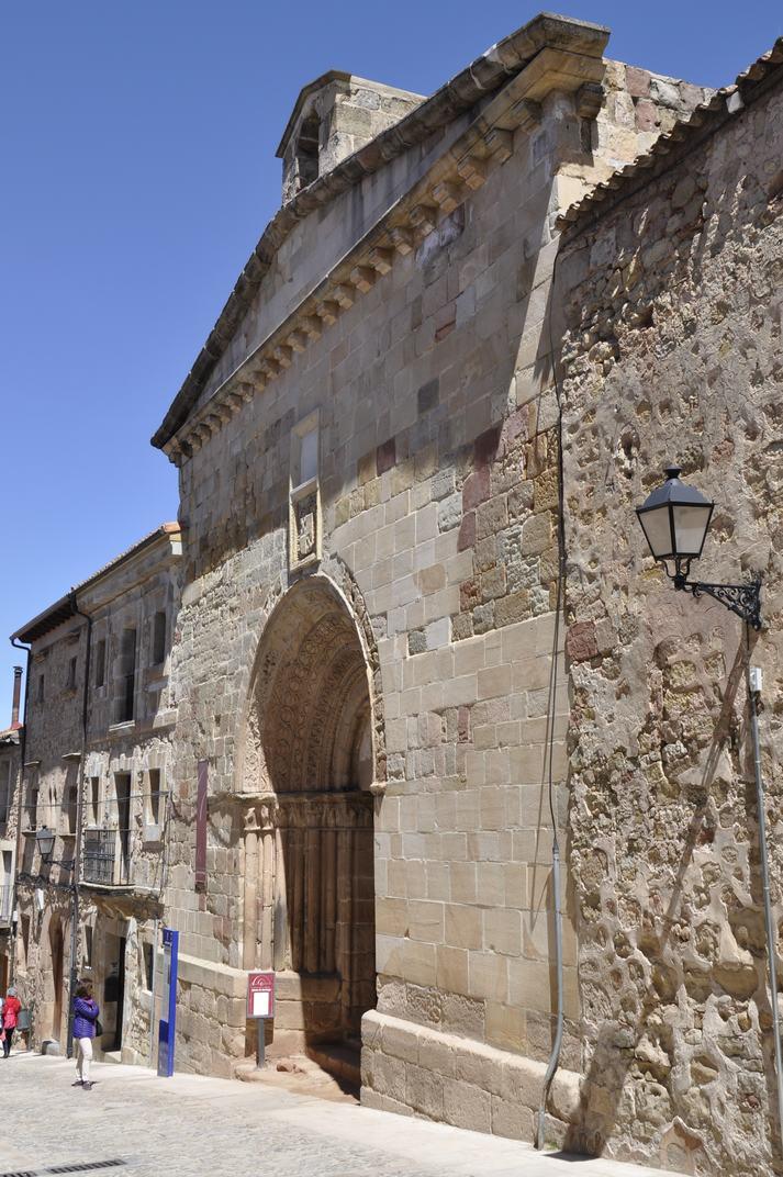 Portada de l'església de Santiago de Sigüenza de Castella-La Manxa