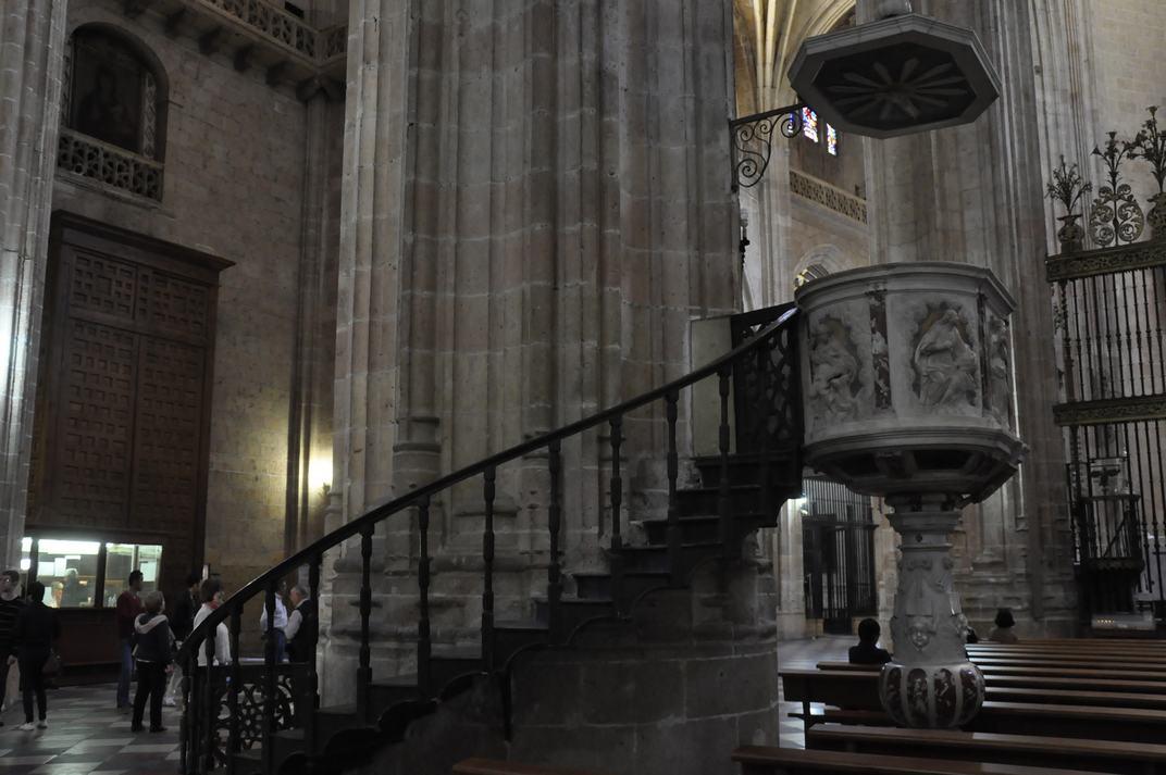 Púlpit de marbre de la Catedral de Segòvia