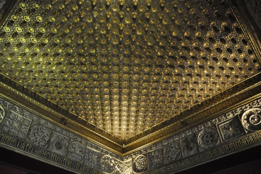 Sala de les pinyes daurades de l'Alcàsser de Segòvia