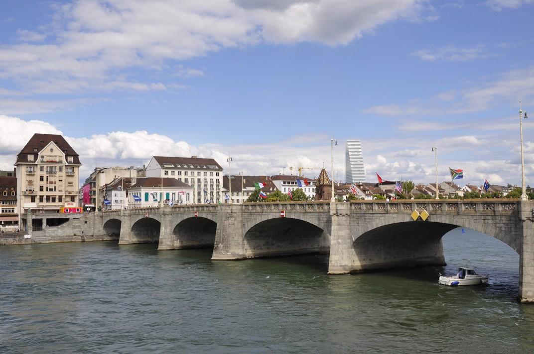 Pont del mig cap a la petita Basilea