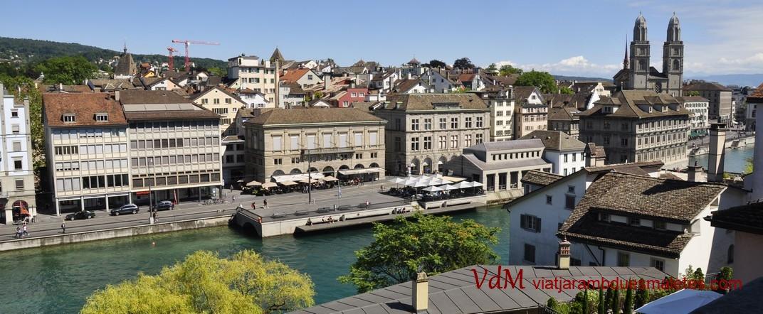 Vistes de la Grossmünster des de Linderhof de Zuric