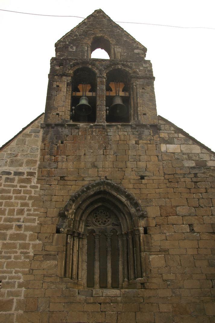 Campanar d'espadanya de l'església de Sant Esteve de Betren