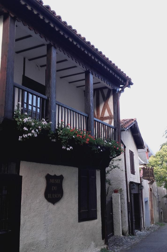 Cases d'entramat de fusta de Saint-Bertrand-de-Comminges