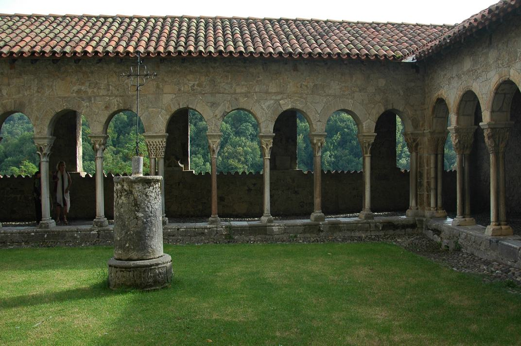 Galeria sud del claustre de la Catedral de Santa Maria de Saint-Bertrand-de-Comminges