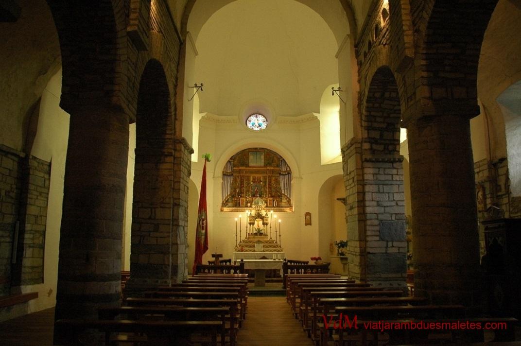 Nau central de l'església de Sant Fèlix de Vilac