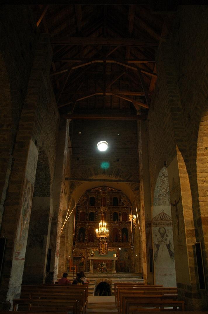 Nau central de l'església de Santa Maria de Cap d'Aran de Tredòs