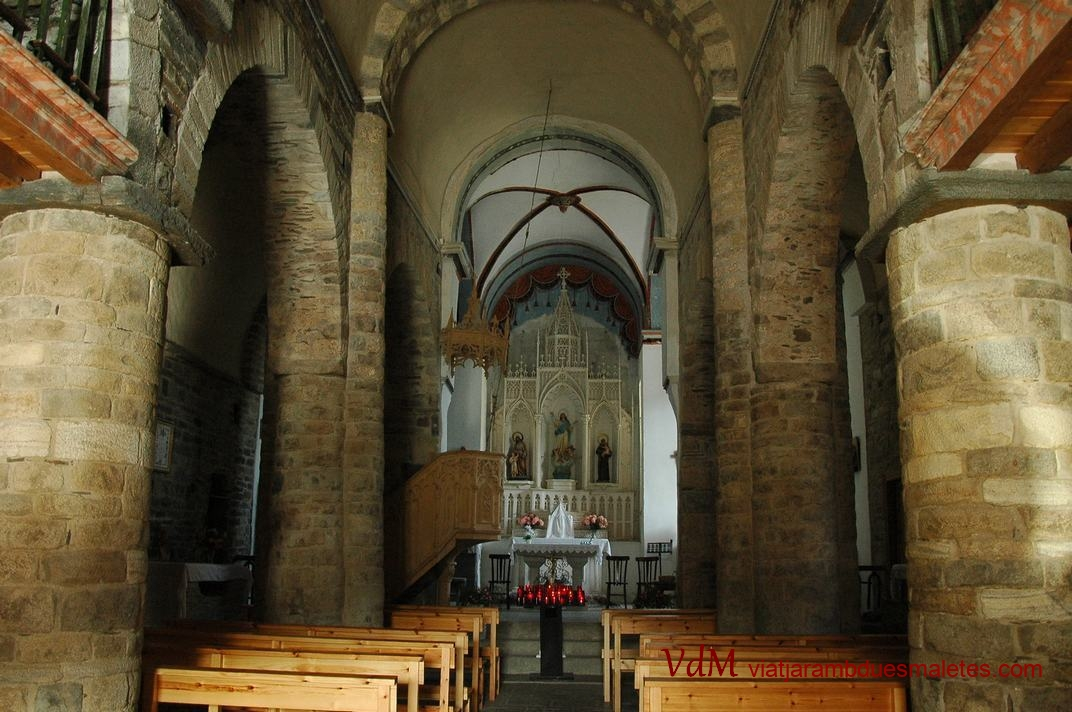 Nau central de l'església de Santa Maria de Vilamòs