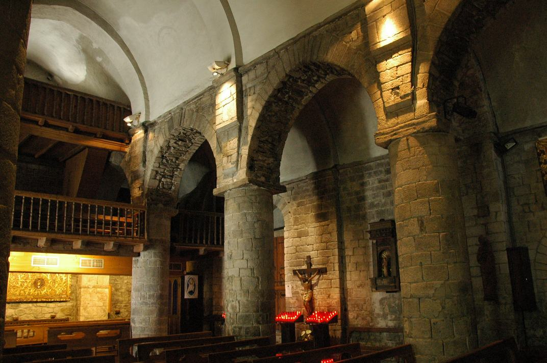 Nau lateral de l'església de la Purificació de Bossòst