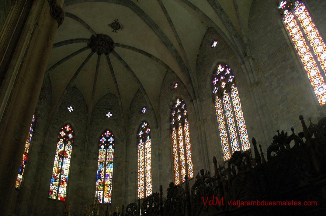 Nau única de la Catedral de Sainte-Marie de Saint-Bertrand-de-Comminges de l'Occitània (França)