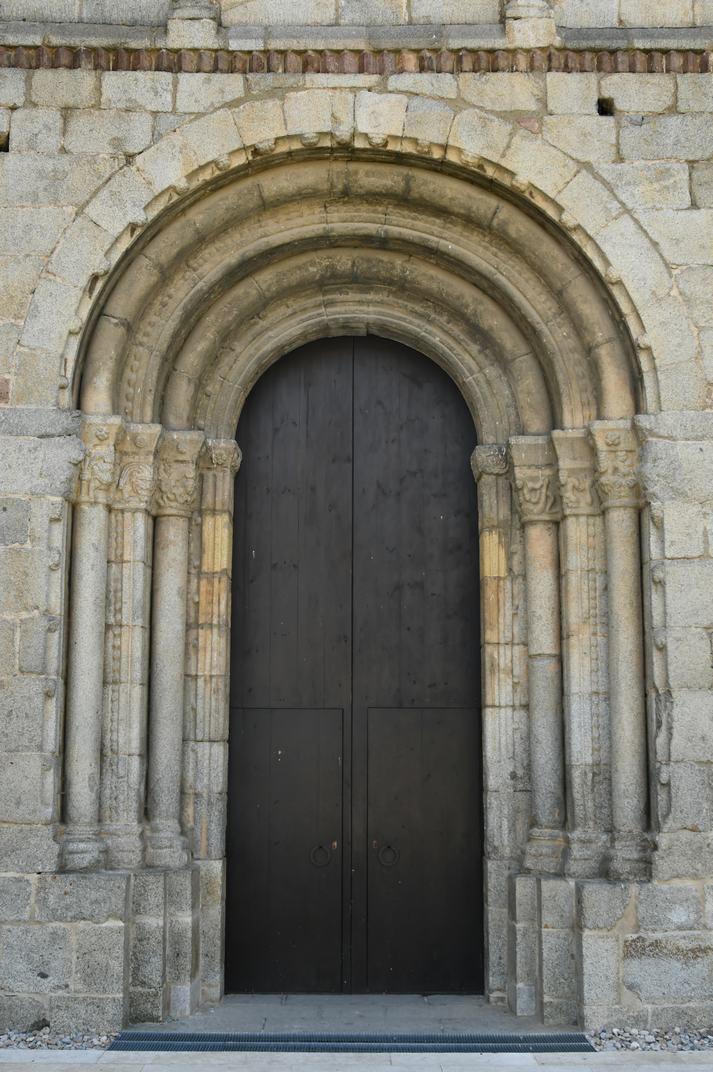 Porta nord de la Catedral de la Seu d'Urgell de Lleida