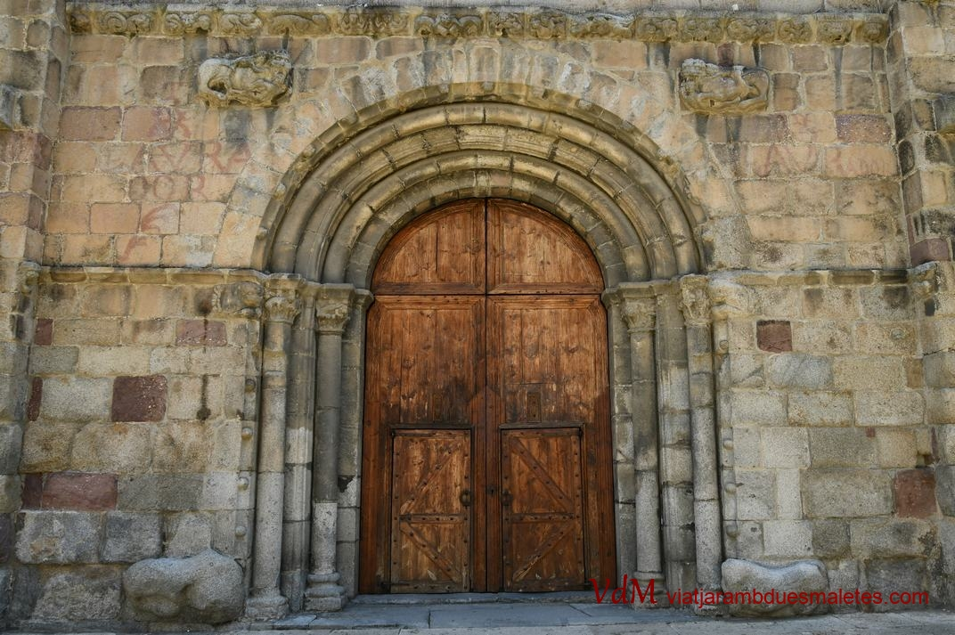 Portalada central de la Catedral de la Seu d'Urgell de Lleida