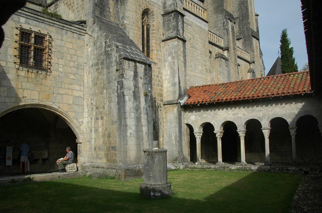 Pou del claustre de la Catedral de Santa Maria de-Saint-Bertrand-de-Comminges