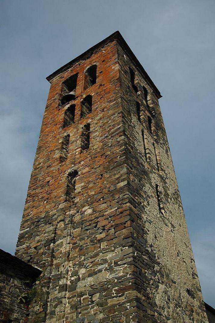Torre campanar de l'església de Santa Maria de Vilamòs