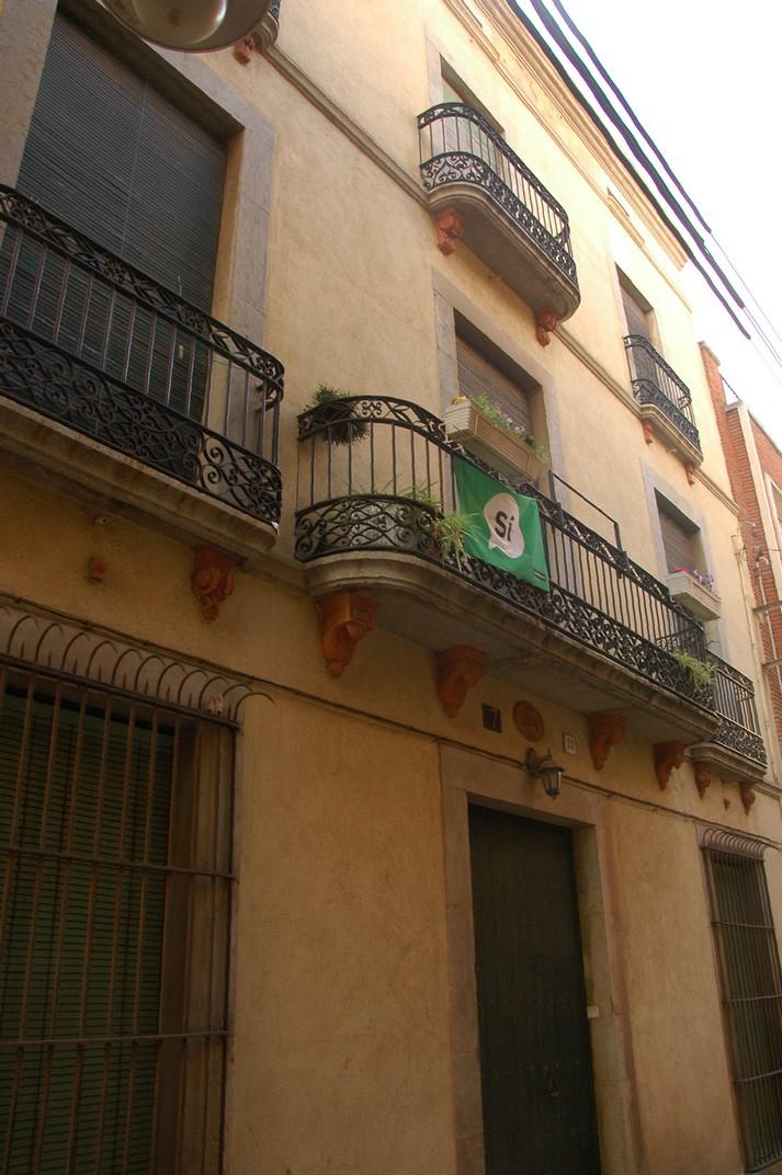 Casa del carrer Viudes i Donzelles de Lloret de Mar