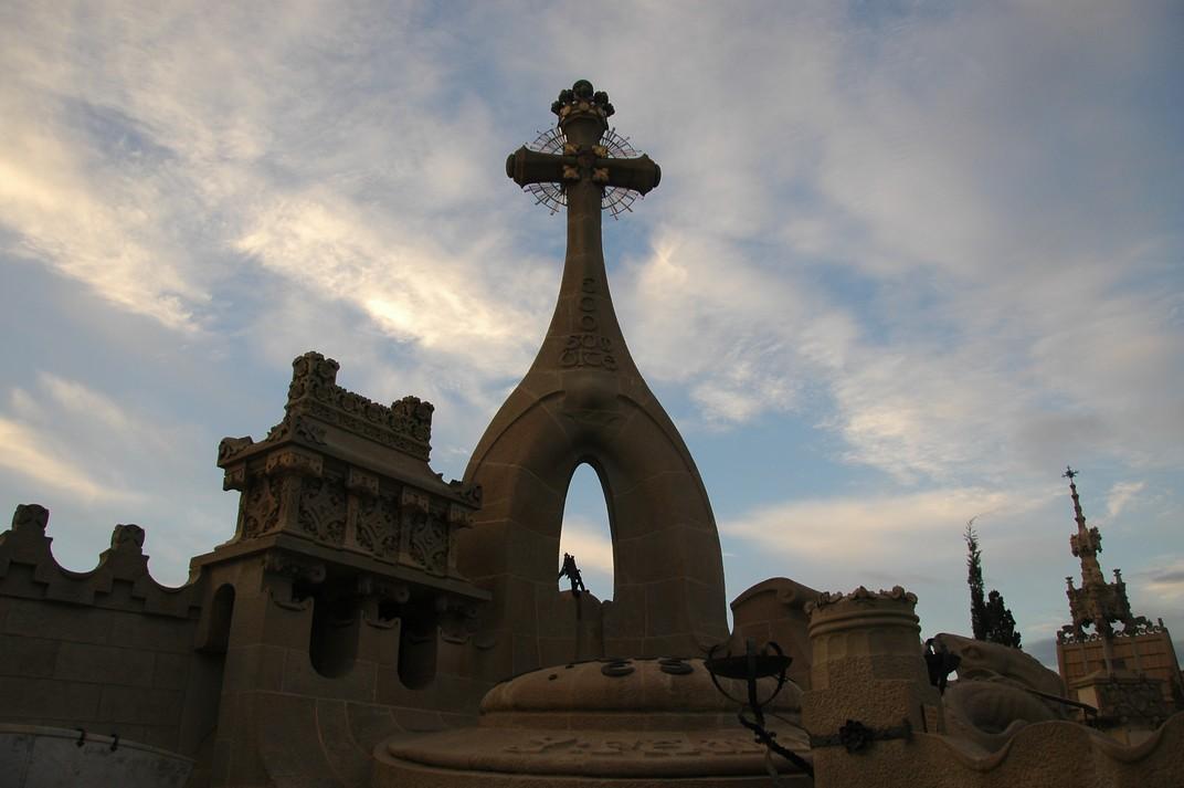 Panteó Esqueu Vilallonga del Cementiri de Lloret de Mar