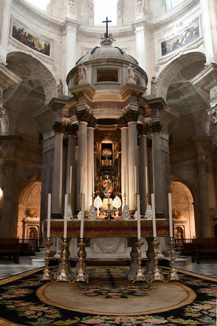 Altar major de la Catedral de la Santa Creu de Cadis
