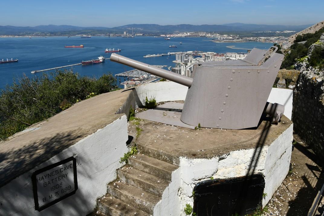 Bateria d'artilleria del cau del macacos de Gibraltar
