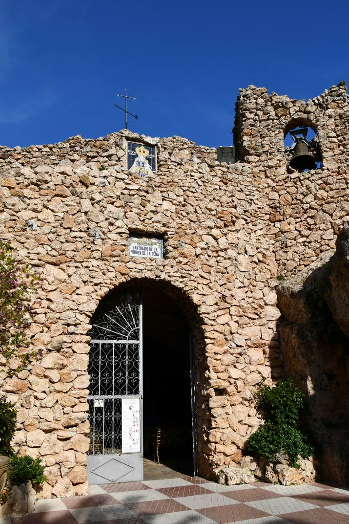 Entrada de l'ermita de la Verge de la Penya de Mijas