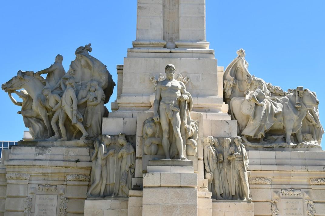 Escultura de Hèrcules del Monument a les Corts de Cadis de 1812