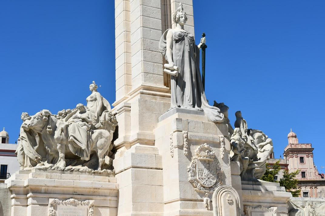 Escultura de la Constitució del Monument a les Corts de Cadis de 1812