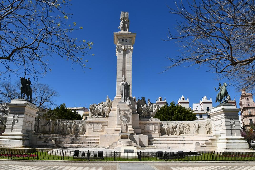 Part davantera del Monument a les Corts de Cadis de 1812