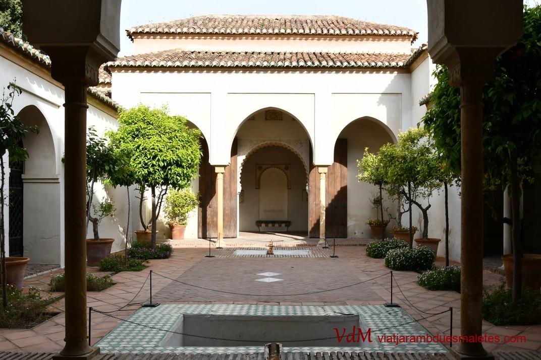 Pati dels Tarongers del Palau Nassarita de l'Alcassaba de Màlaga