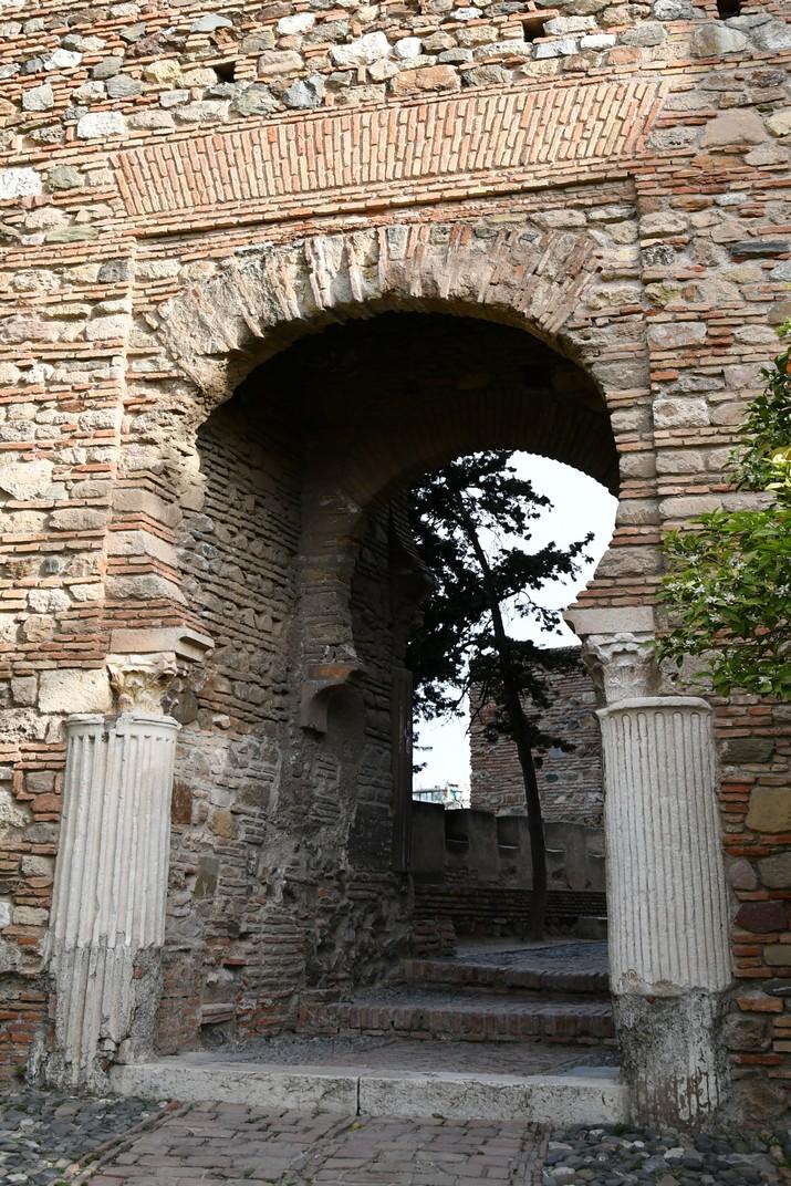 Porta de les columnes de l'Alcassaba de Màlaga