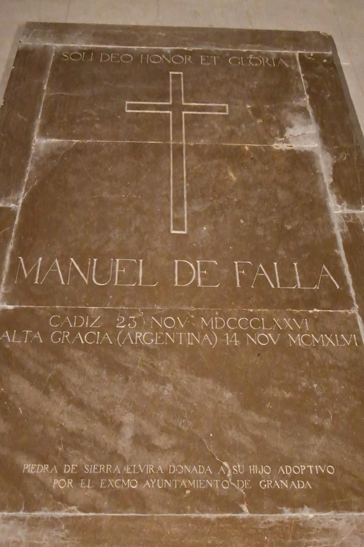 Sepulcre de Manuel de Falla de la Cripta de la Catedral de la Santa Creu de Cadis