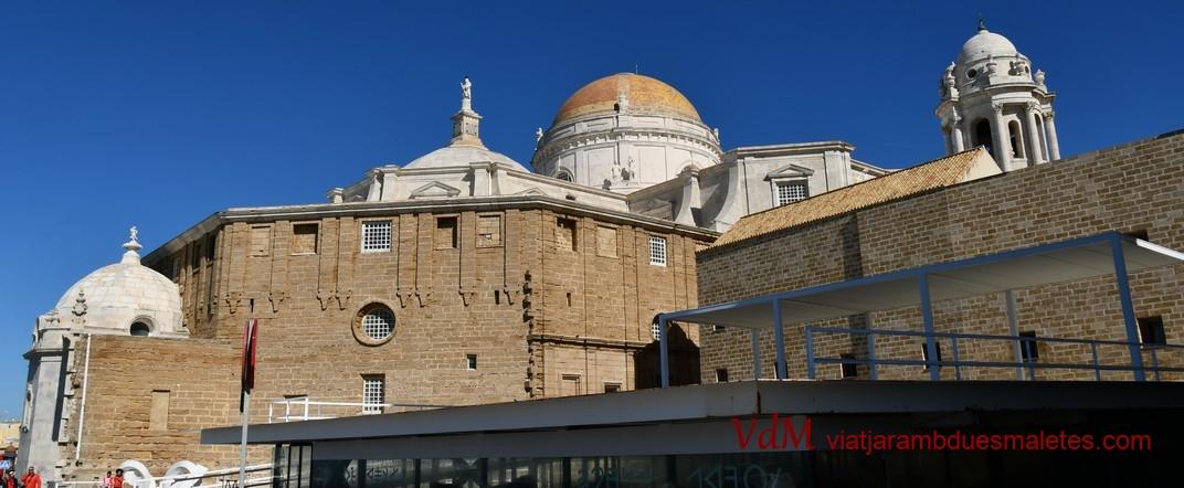 Vista posterior de la Catedral Nova - Cadis