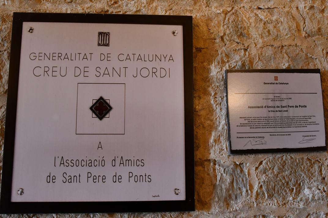 Creu de Sant Jordi a l'associació d'Amics de Sant Pere de Ponts