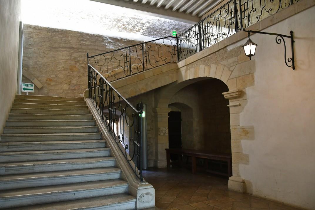 Accés del dormitori dels monjos de l'abadia de Noirlac