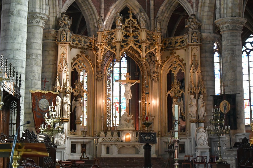 Altar major de l'església de Sant Miquel de Gant