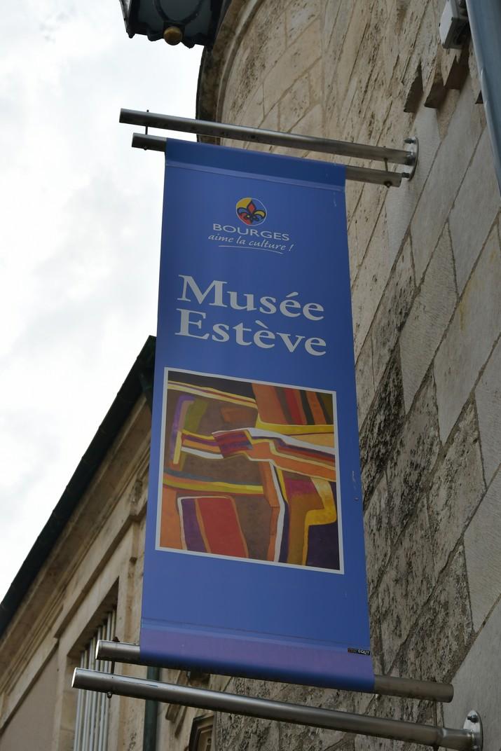 Banderola del Museu Estève de Bourges